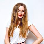 髪を伸ばす方法の記事のトップ画像